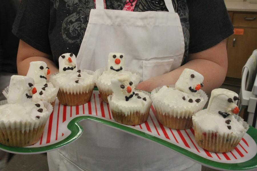 Melting Snowman Cupcakes by Team 2