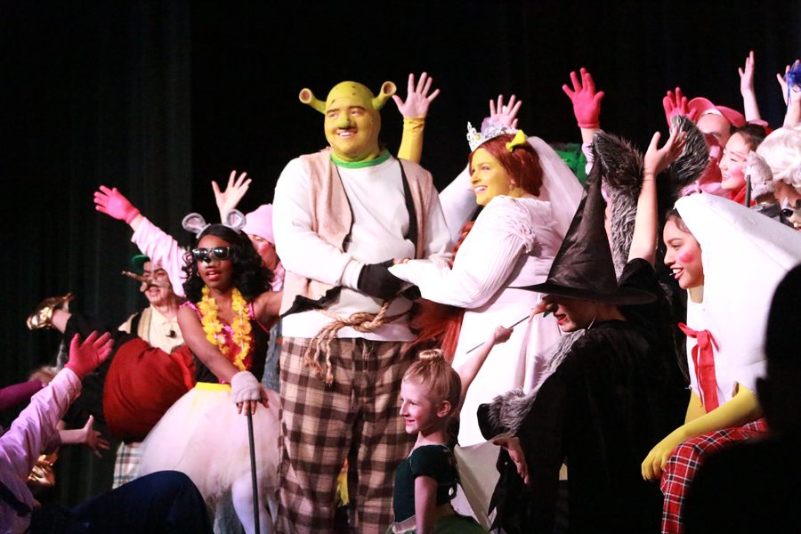 Shrek the Musical starred Junior Jake Mentzer (Shrek) and Senior Hannah Johnson (Princess Fiona) and nearly 37 other actors for performances on March 31, April 1, April 2, 2017 in the North High auditorium.